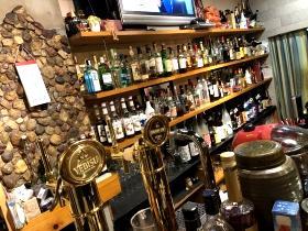 エビスから焼酎・リキュール、日本酒もいっぱいあります。<br /> ドリンクを選ぶのも、くおーれの楽しみの一つです。生ビールを注文するとエビスがジョッキででてきます。さらに、黒エビスもあります。<br /> エビス好きにはたまりませんよ。<br /> 今すぐ、飲みにお越し下さい。