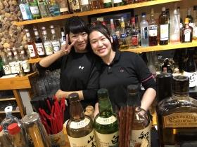 居酒屋だけど、いろんなお酒を眺めなから、お酒が飲めます(o^^o)