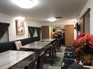 2階の個室は、リラックスしてお食事出来る空間になっています。