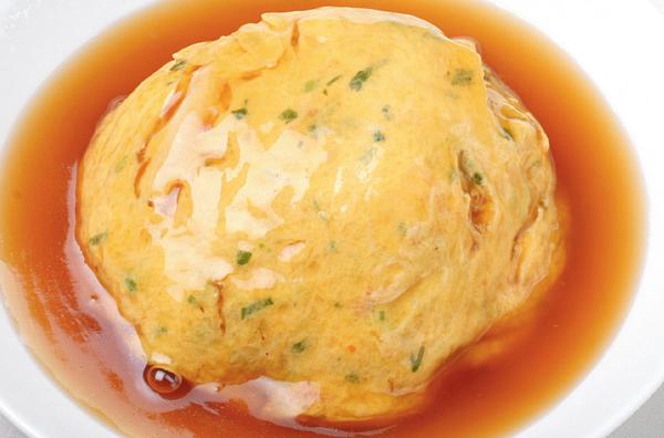 天津飯(カニ玉のせご飯)