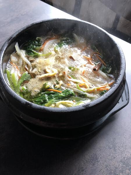 8時間かけてじっくり煮込んだ 濃厚とろっとろテールスープ(塩味)