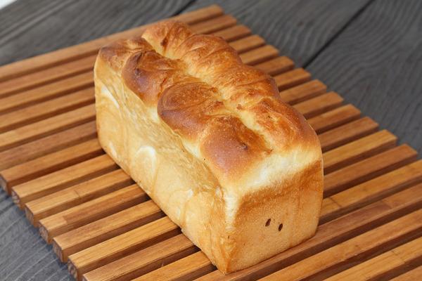 バター食パン 極(きわみ)