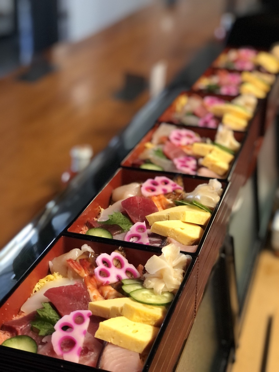 ちらし寿司 1400円 テイクアウト出来ます。