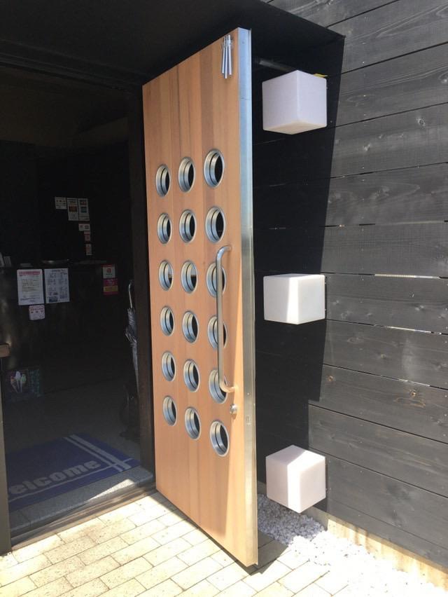 お店の入り口が変わりました!