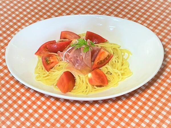 6月21日(月)よりの夜の新メニュー、生ハムとトマトの冷製パスタ