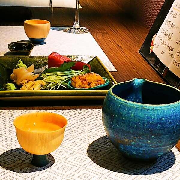 お造りの盛合せと日本酒♪