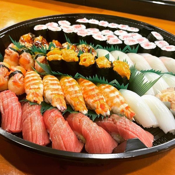 昨日ご注文頂いた 上寿司盛りです。