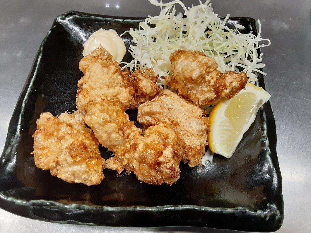 特製醤油ダレの若鶏唐揚げ