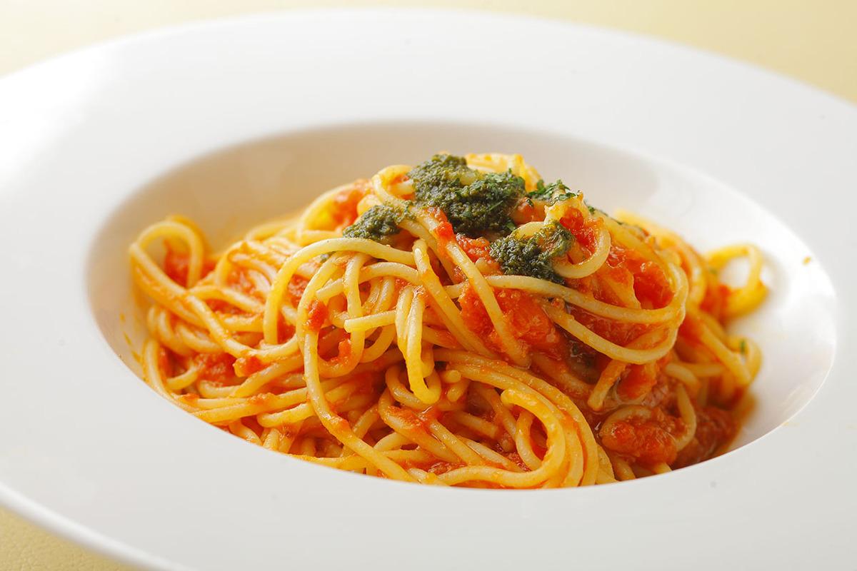 トマトとモッツァレラのポモドーロ