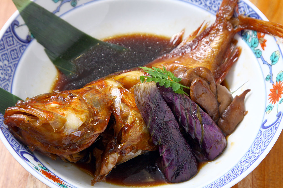 地魚の煮付け(650円より承ります)