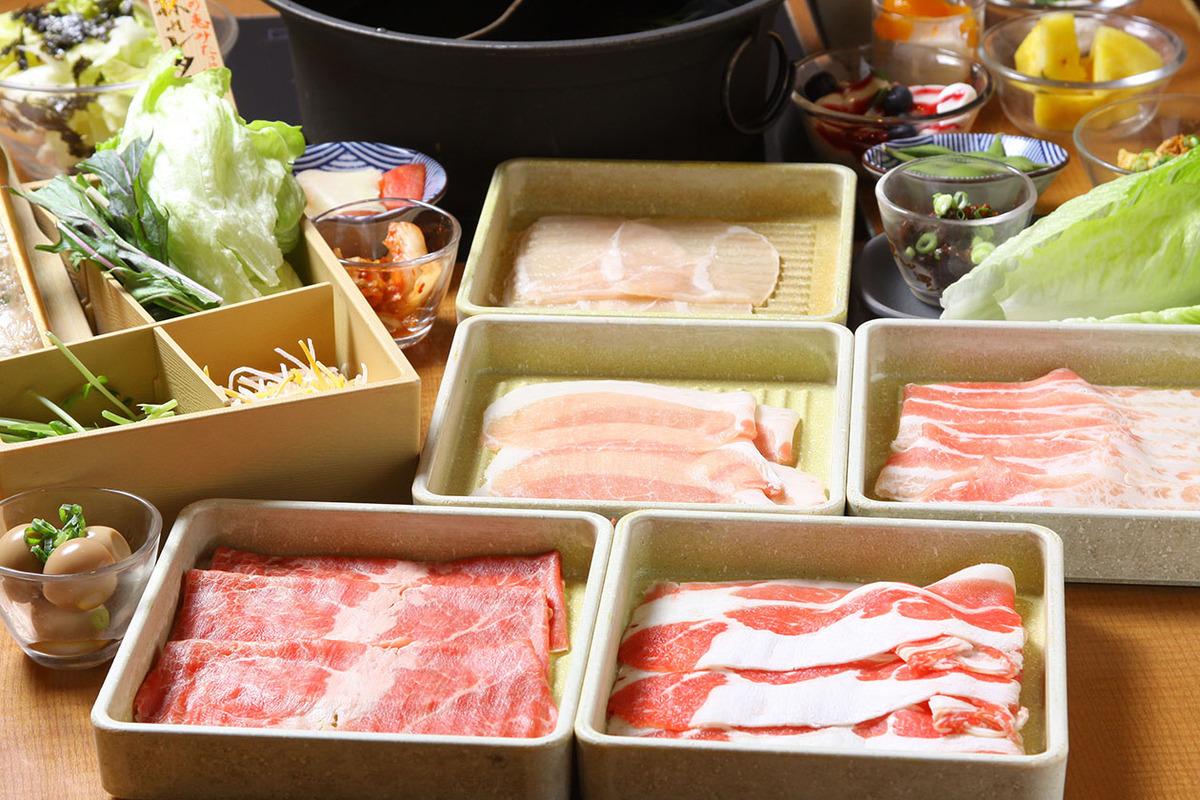 厳選牛と三元豚 食べ放題120分(L.O.90分)