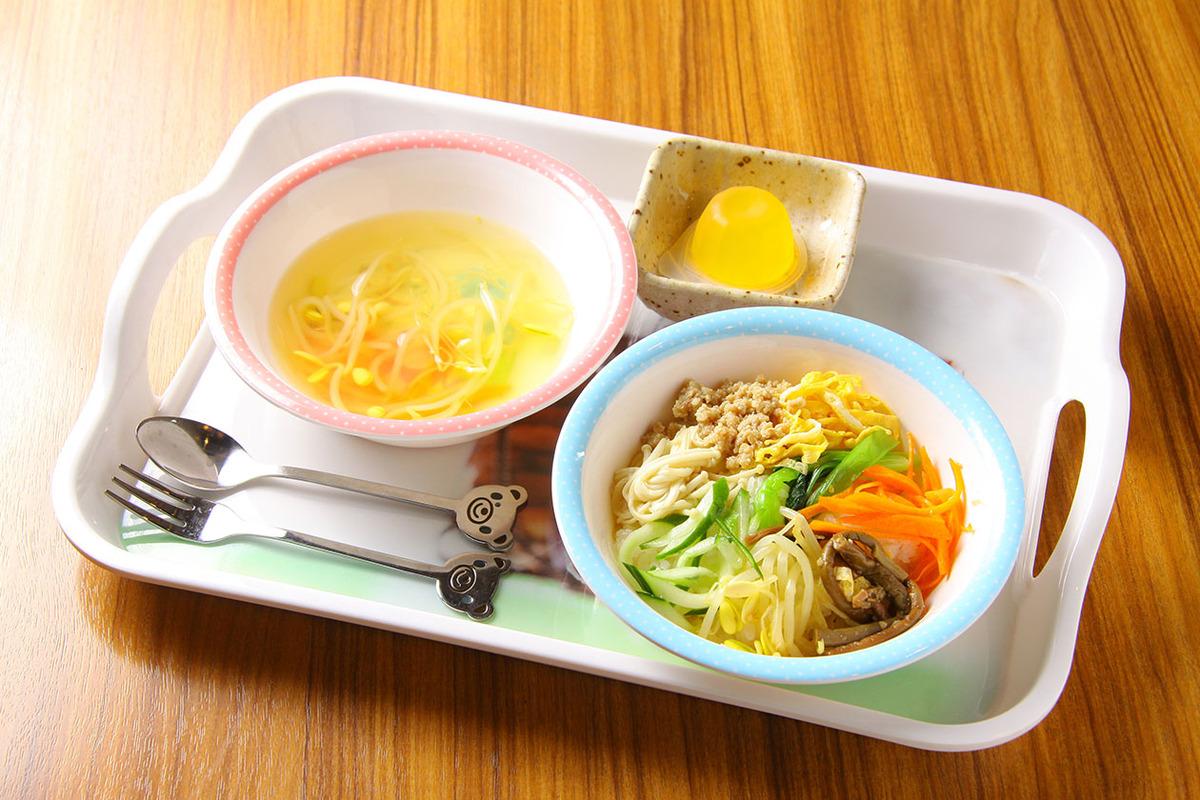 お子様ランチ(ビビンバ+スープ+ドリンク)