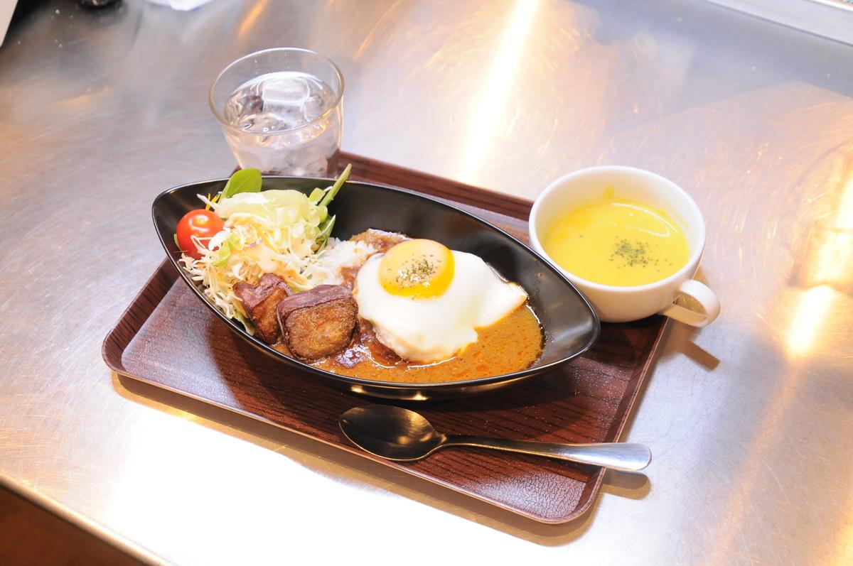 焼き芋ロコモコ風カレー 安納芋スープセット