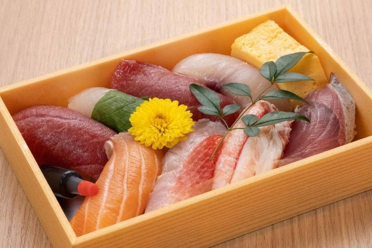 おまかせ握り寿司8貫