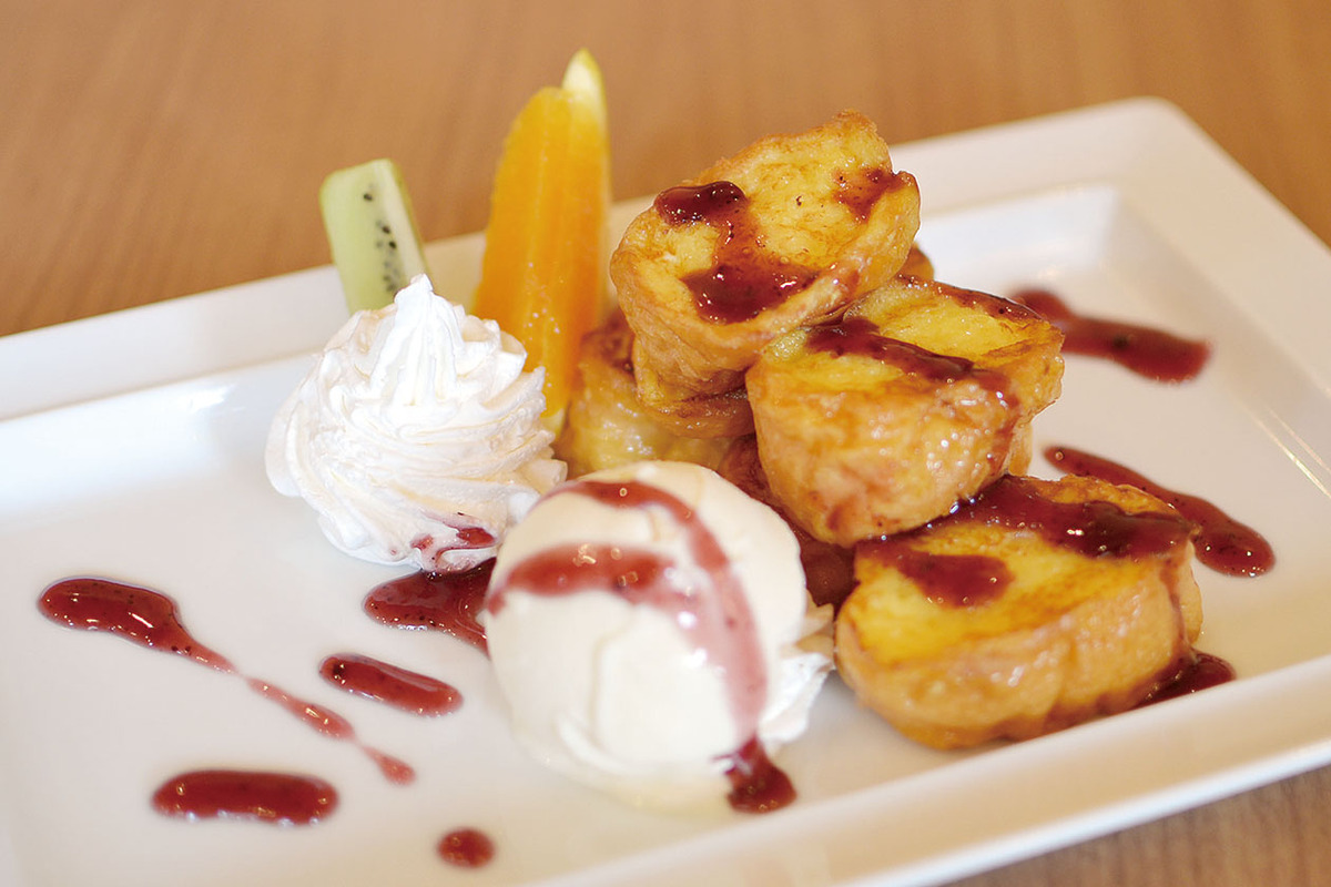 ブルーベリーソースのフレンチトースト