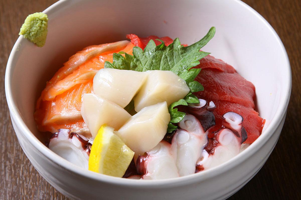 新鮮素材の海鮮丼