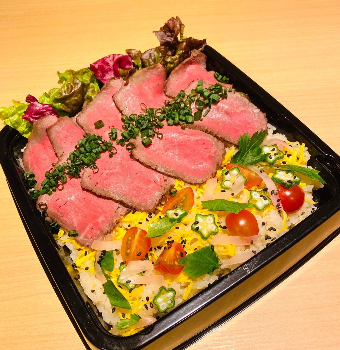 自家製ローストビーフちらし寿司