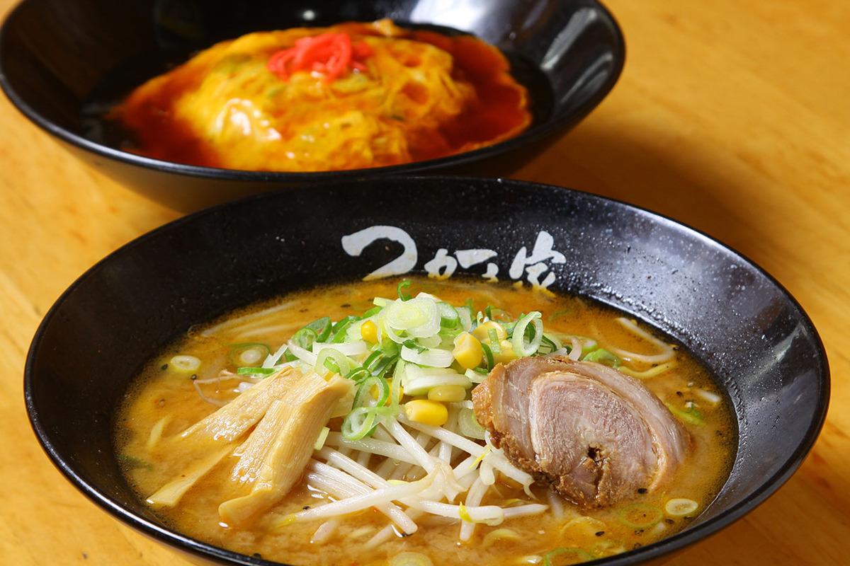 お昼の選べるランチ(味噌らーめん + 天津飯)