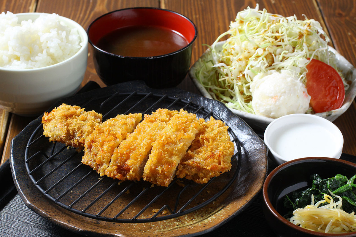 ロースかつ定食(120g)