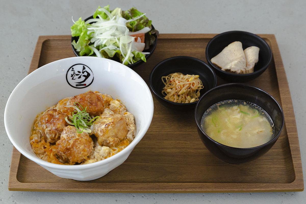 玉子とじ唐揚丼定食
