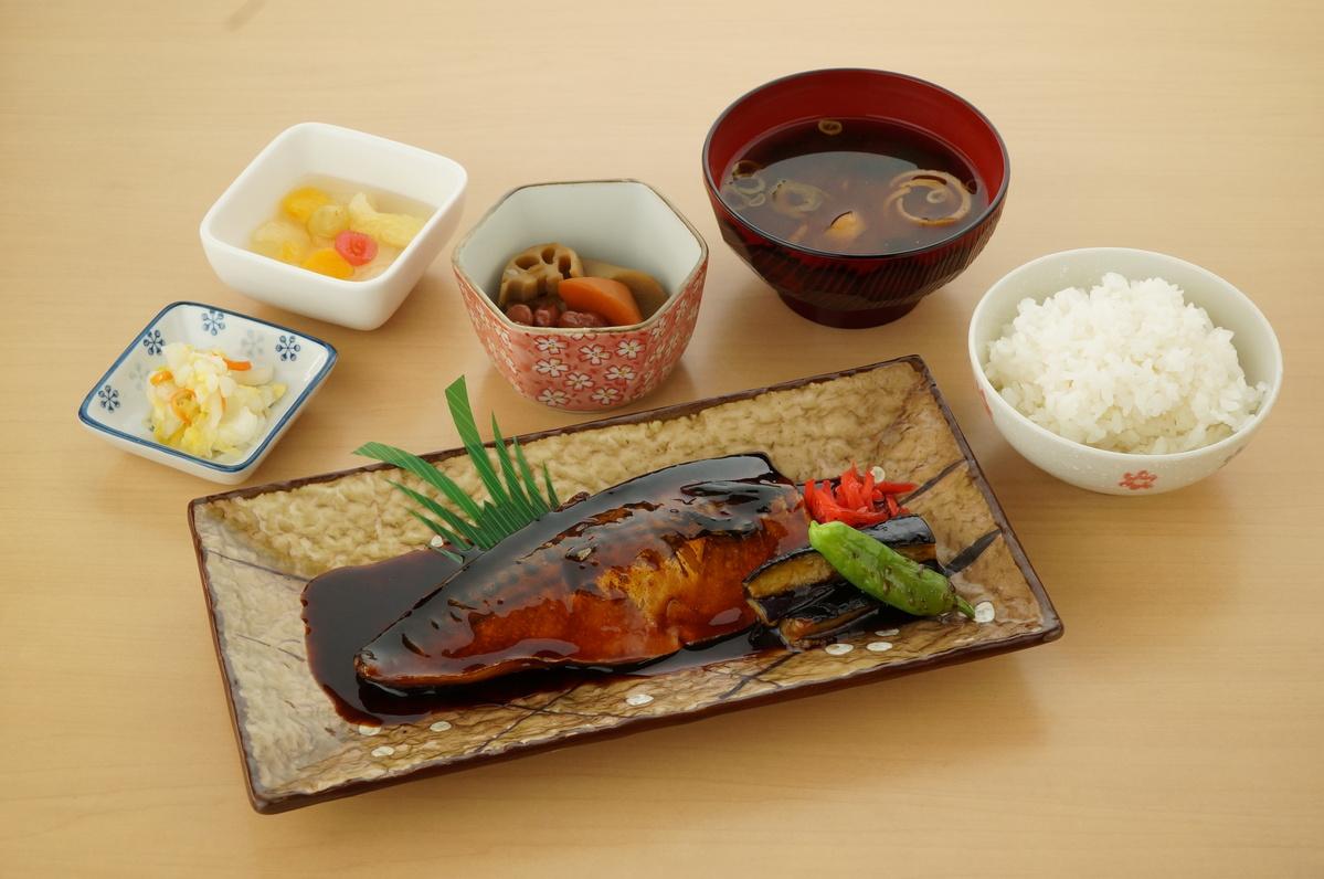 鯖の煮付け定食