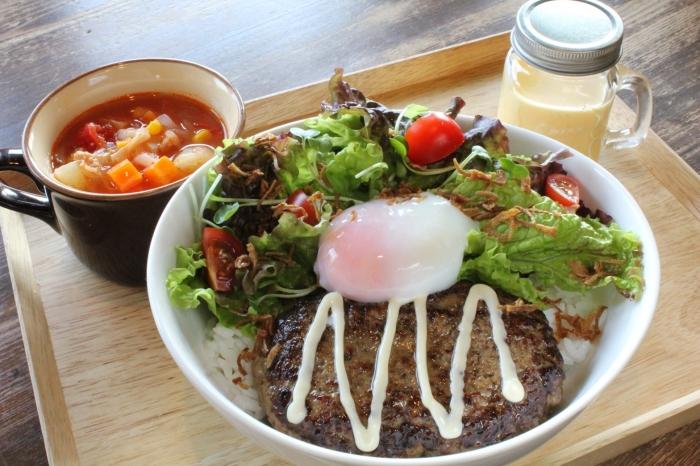 とろ~り卵のロコモコセット(ドリンク料金+800円)