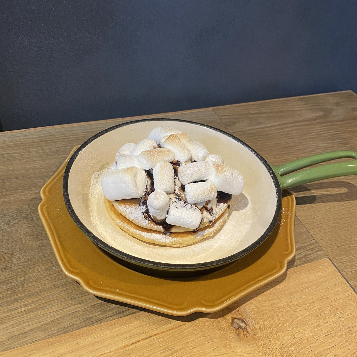 マシュマロ焼きチョコパンケーキ