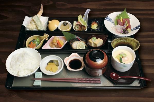ミニ季節懐石御膳(ランチ限定20食)