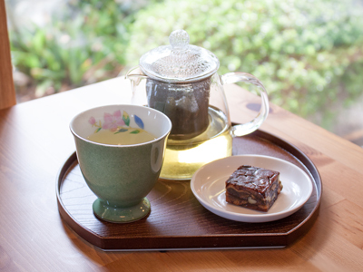 台湾高山烏龍茶・お茶うけ付き
